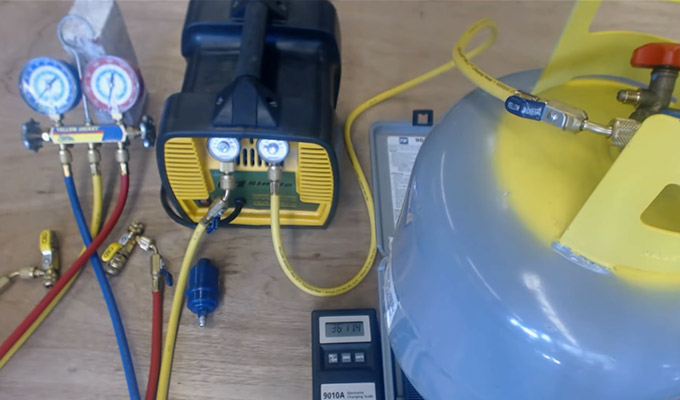 How to Recover Freon With Vacuum Pump FI