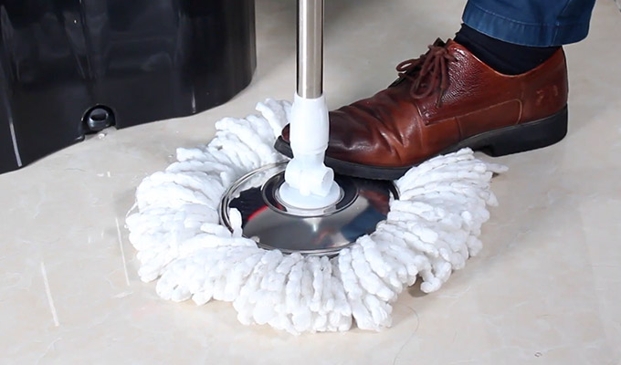 Using Spin Mop with Bucket